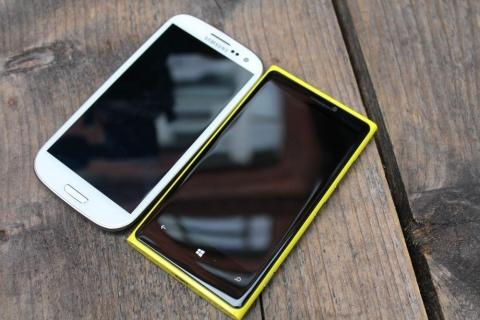 Nokia Lumia 920 versus the Samsung Galaxy S3