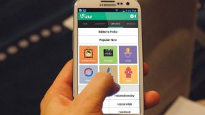 """Samsung Criticized for """"Hijacking"""" Android Vine Release and Secretly Undermining Android…Yeah, Okay"""
