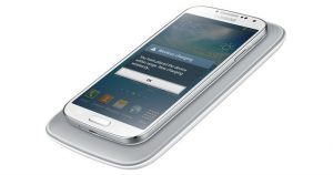 How to Wirelessly Charge Your Samsung Galaxy S4 With Cool New Accessory