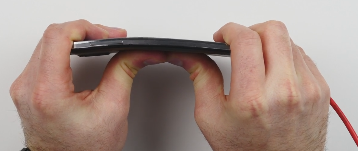 Samsung Galaxy Note 3 Easily Passes Bend Test Which Destroyed the iPhone 6 Plus