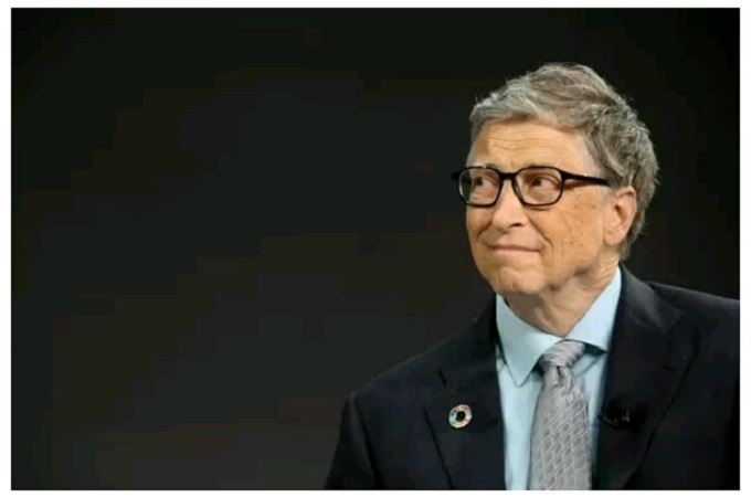 Bill Gates Ditches Windows Phone for an Android Phone Instead of an iPhone