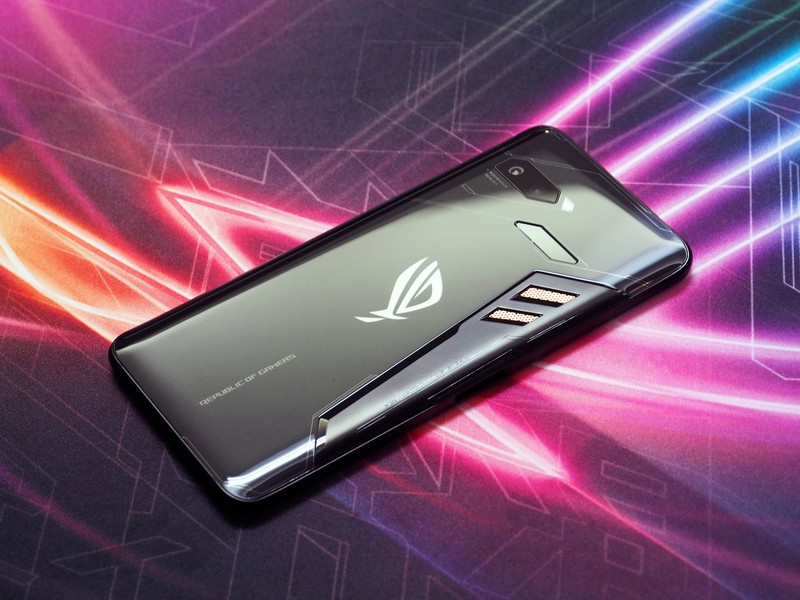 UK Gamers can pre-order the ASUS ROG Phone starting November 16 with 100 pounds off